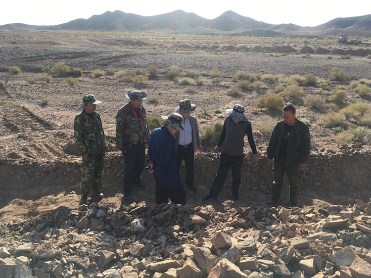 省核地质局专家组检查我队基金项目