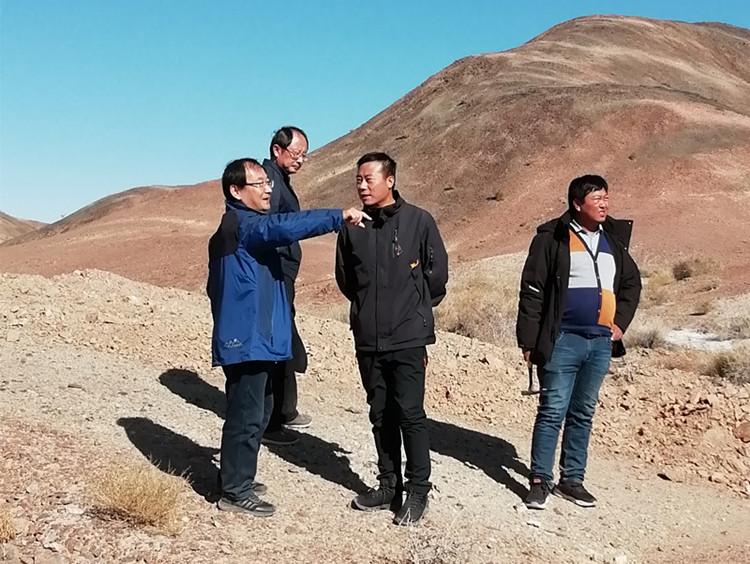 总工程师雒晓强带队赴野外检查、验收地质项目